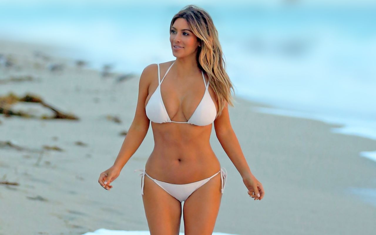 hustletv-kim-kardashian-bikini-wallpapers-6-_3