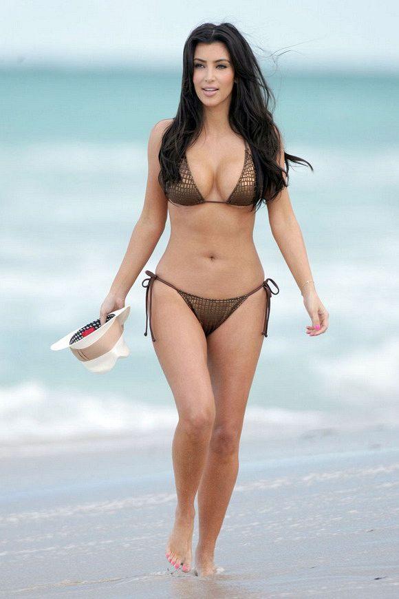 kim-kardashian-hot-grey-bikini