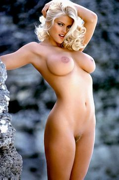 240px-Anna_nicole_smith04